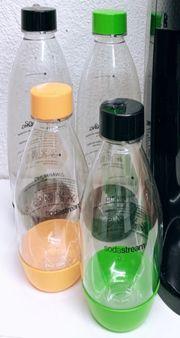 Vier SodaStream Flaschen