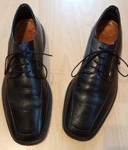 schwarze Anzugschuhe von AM Shoes