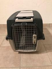 Gut erhaltene Hunde-Transportbox