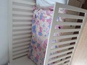 Höhenverstellbares Babybett aus Massivhoöz