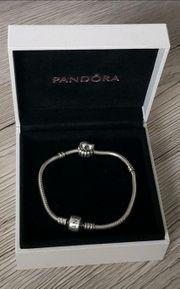 Pandora Moments Schlangen-Gliederarmband Charm liegende