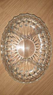 Glasschüssel mit 4er Unterteilung