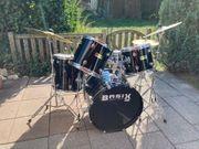 Basix Drumset mit Paiste Becken