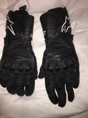 Motorradbekleidung Helm Handschuhe Schuhe