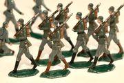 18 Stück Zinnfiguren Zinnsoldaten Figur