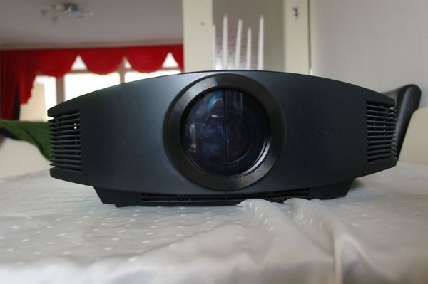 Sony VPL-VW90ES 3D Beamer Superzustand