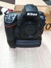 Nikon D700 7612 Auslösungen Batteriegriff