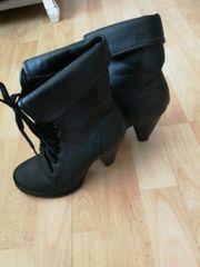 Schuhe in Größe 39