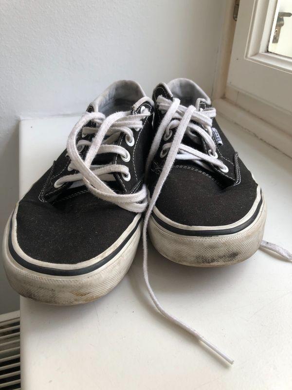 Ausgediente Sneakers