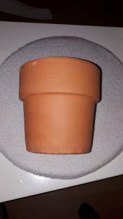 Blumentopf aus Ton