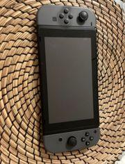 Nintendo Switch mit 8 Spielen