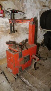Reifenmontiermaschine