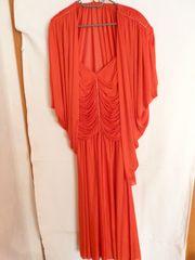 Festliches langes rotes Kleid