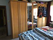 Komplettes Schlafzimmer aus Doppelbett und
