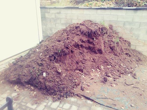 Erde Mutterboden zu verschenken