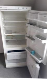 Kühl- Gefrierschrank zu Verkaufen