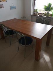 Esstisch und 4 Stühle zu