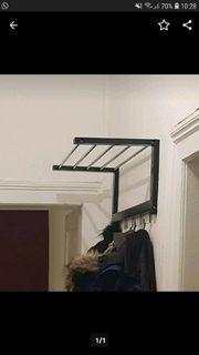 Garderobe schwarz