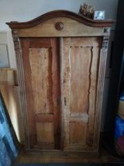 Antiker Schrank Kirschbaumholz