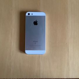 Apple iPhone - iPhone SE Silber 16GB inklusive