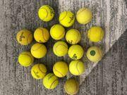 18 Stück Tennisbälle von verschiedenen