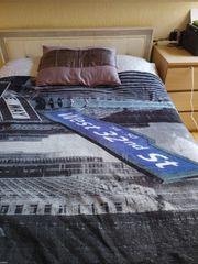 Bett 140x200 Nachttisch