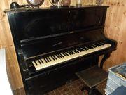 ca 100 Jahre altes Klavier