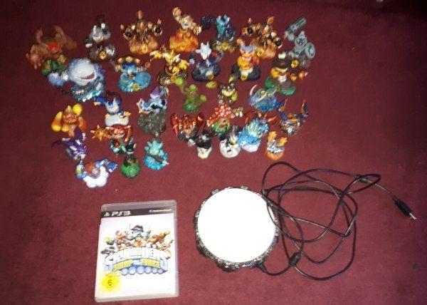 Skylander viele Figuren mit Spiel