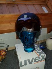 Ski Helm von UVEX mit