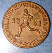 Rarität DDR Abzeichen Medaille Orden - Sport