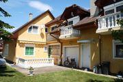 Ungarn Zwei Häuser mit Pool