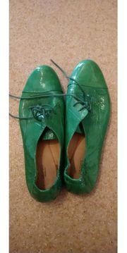 Schuhe für kleines Geld abzugeben