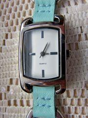 Schöne Damen-Marken-Armbanduhr silberfbg Gliederarmband Leder Edelstahl