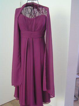 neues noch nie getragenes Kleid mit Stola