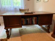 Schreibtisch Nußbaum massiv Bücherregal