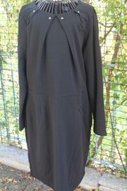 gut erhaltenes schwarzes Kleid von