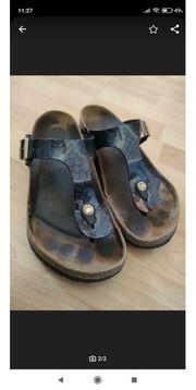 Getragene Sandalen zu verkaufen