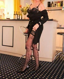 Sie sucht Ihn (Erotik) - Die Sekretärin Annabelle am Bodensee