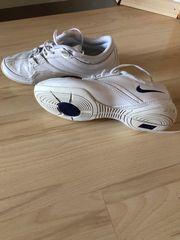 Nike Schuhe Gr 38