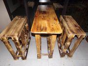 Garnitur bestehend aus 1 Tisch