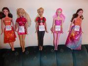 Barbies und My Scene je