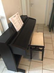 Klavier von Yamaha Clavinova
