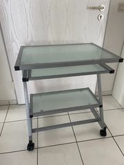 Kleiner mobiler Schreibtisch