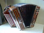 Steirische Harmonika Strasser Spezial aus