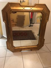 Sehr schönen goldenen Spiegel zu