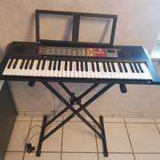 Yamaha keyboard PSR F50