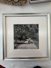 3x schwarz-weiß Fotografien in silbernem