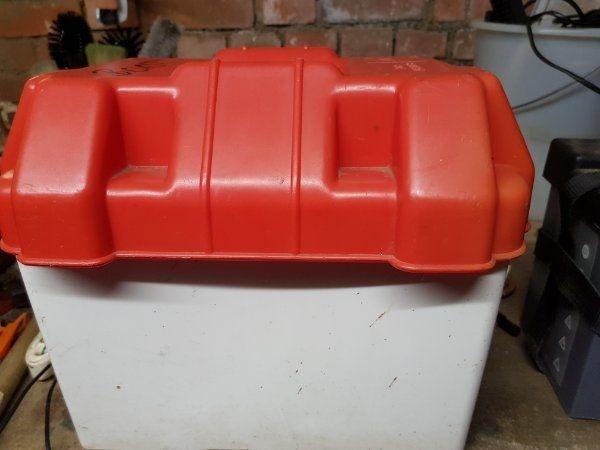 Auto Batterie Box