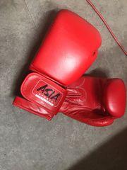 Boxhandschuhe kaum getragen