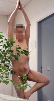 Nackt und hilflos aussetzen